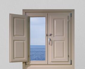 Ξύλινο παράθυρο, νησιώτικο με εσωτερικό σκιάδιο