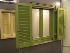 Ξύλινο παράθυρο, παντζούρι περσίδα, σε λάκα